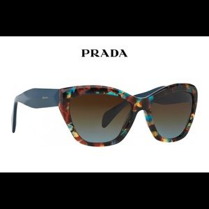 Prada cat eye sunglasses 🐱